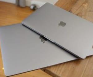 intel ice lake processors, macbook pro 13-inch, and macbook pro 14.1-inch image