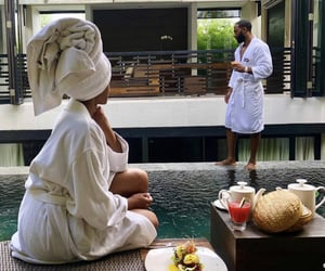couples and baecation image