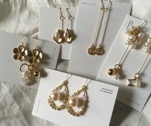 earrings, accessories, and details image