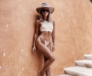 accessories, body, and fit image