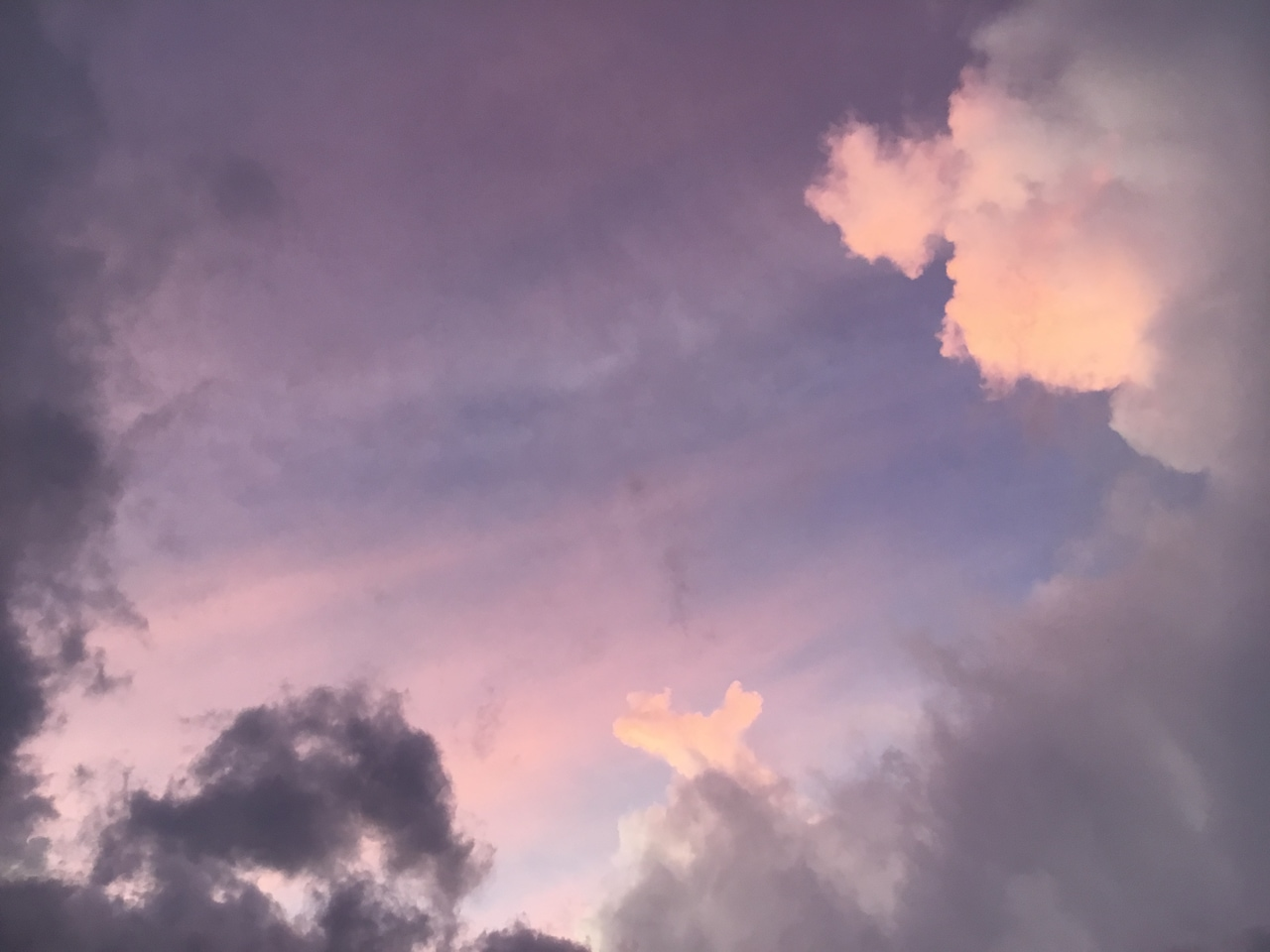 cloudy sunset shared by 𝒗𝒂𝒍𝒆𝒏𝒕𝒊𝒏𝒂 on we heart it cloudy sunset shared by 𝒗𝒂𝒍𝒆𝒏𝒕𝒊𝒏𝒂 on we