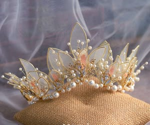 Headbands, tiara, and wedding accessories image