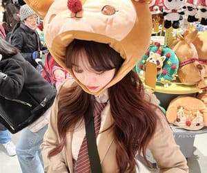 food, girls, and korean girls image