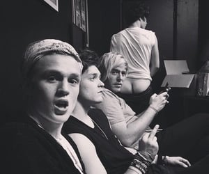 thevamps, bradley simpson, and tristan evans image