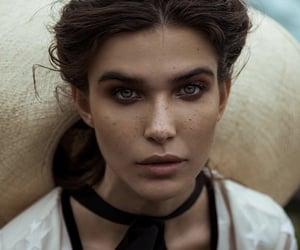 aesthetic, brunette, and eyes image
