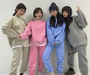 ulzzang, girl, and friends image