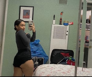 booty goals and girl mirror selfies image