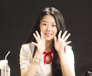 korean, ulzzang, and chaerin image