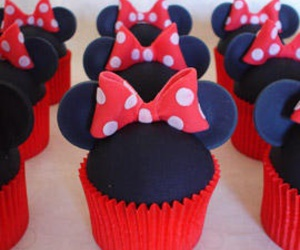 cupcake, minnie, and minnie mouse image