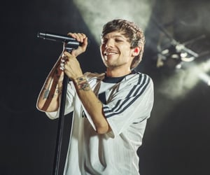 amazing, beautiful, and louis tomlinson image