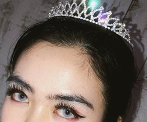 aesthetics, crown, and makeup image