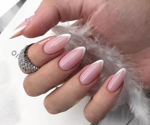 stiletto nails&ring image