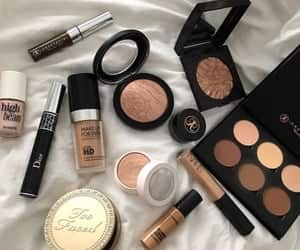 article and makeup image