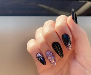 black, glitter, and manicure image