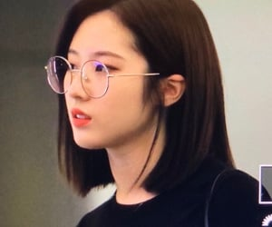 haseul, loona, and kpop image
