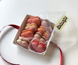 food, macaroons, and pretty image