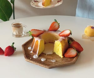 cake, classic, and dessert image