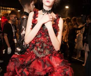 Alexander McQueen, backstage, and chic image