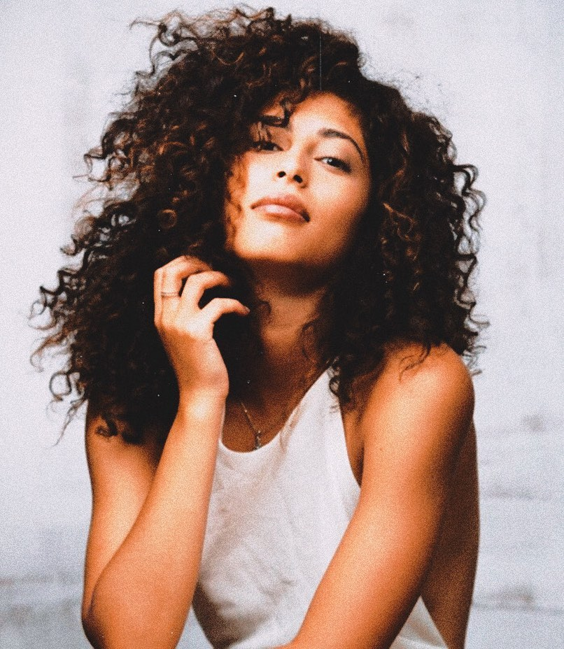 curly hair, elite, and nadia image