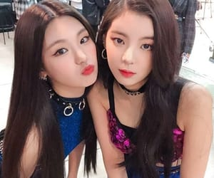 kpop, itzy, and lia image