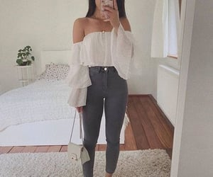 blanco, outfits, and espejo image