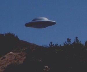 alien, grunge, and ufo image