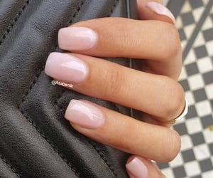 pinky square nails image