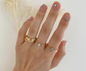 nails and betina_goldstein image