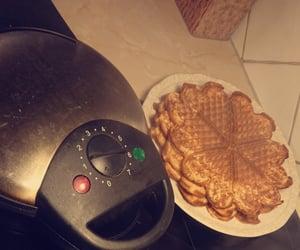food, yummi, and waffles image
