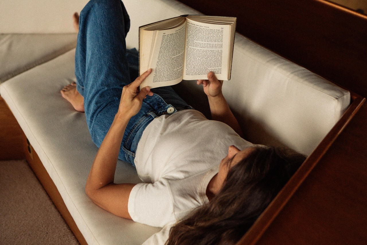 aesthetic, girls, and books image