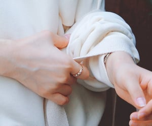 aesthetic, hands, and kpop image