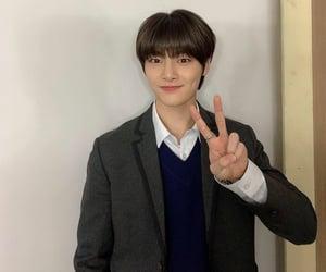 kpop, yang jeongin, and skz image