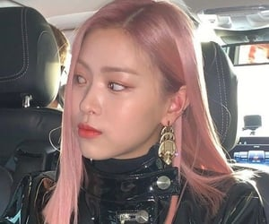 icons, kpop, and itzy image