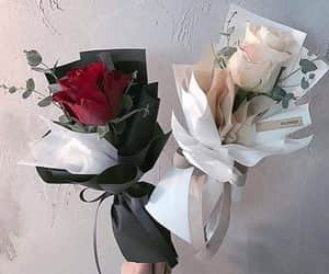 black, Blanc, and bouquet image