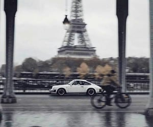 paris and car image