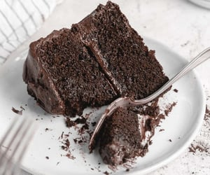 chocolate cake, yummy, and creamy image