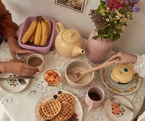 Breakfast time 🥐🍳🍎