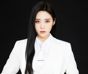 black hair, yeah, and comeback image
