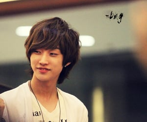 jinyoung, b1a4, and bana image