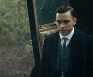 gif, peaky blinders, and finn cole image