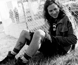 eddie vedder, pearl jam, and 90s image