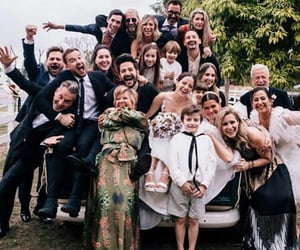 boda, cantante, and family image