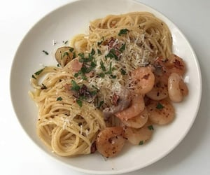 pasta and seafood pasta image