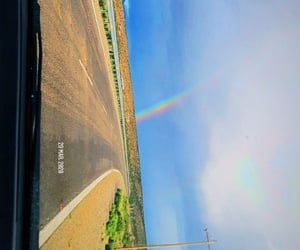 arcoiris, carretera, and campo image