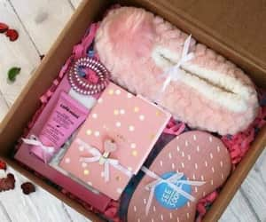 box, girly stuffs, and trucs de filles image