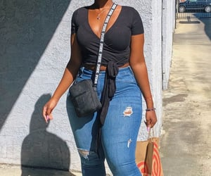 black girl, curvy, and outfit image