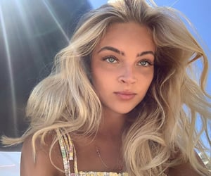 beautiful, blonde, and messy hair image