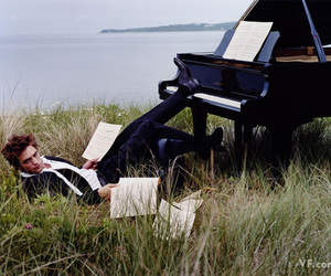 robert pattinson, piano, and music image