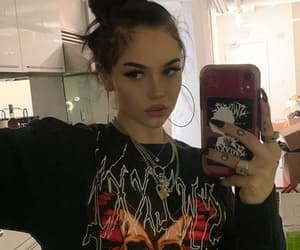maggie lindemann, brunette, and icon image