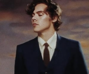 Harry Styles and beauty papers image